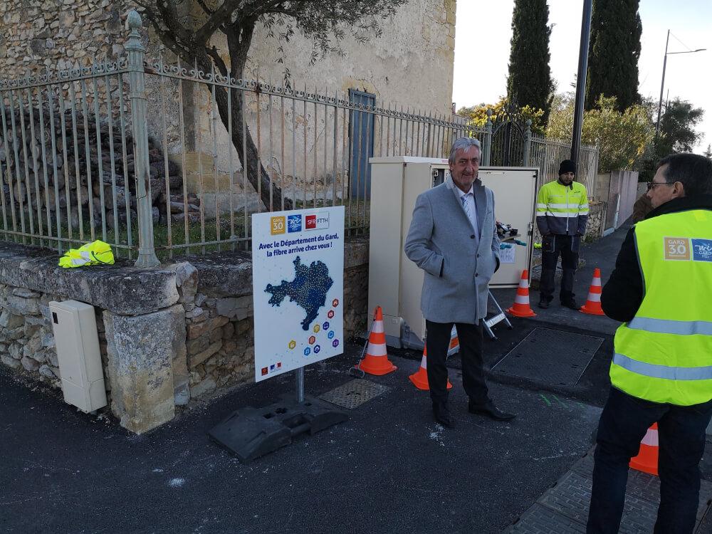 Vergèze - 03/03/20 Denis Bouad visite le chantier Wigard Fibre